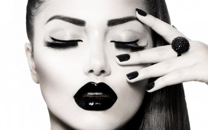 Gloss negru intens Rimmel Stay Glossy - 480 Black Diva-big
