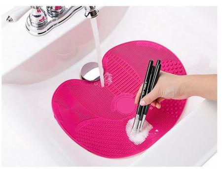 Dispozitiv de Silicon pentru Curatarea Pensulelor de Makeup, Brush SPA cu 7 suprafete diferite si sistem de fixare antialunecare1