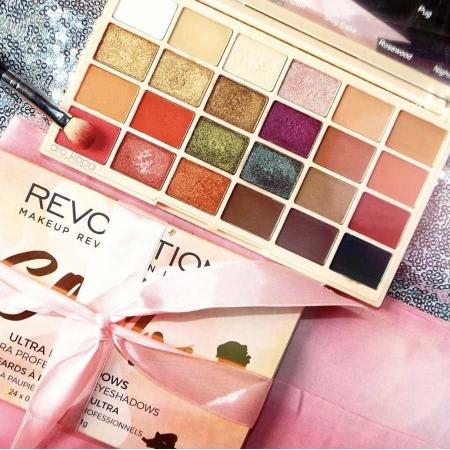 Paleta de farduri Makeup Revolution Soph X Eyeshadow Palette, 24 Nuante4