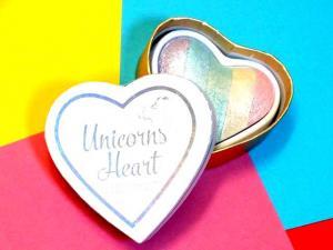 Iluminator Makeup Revolution I Heart Makeup a Rainbow Highlighter made by unicorns - Unicorns Heart7