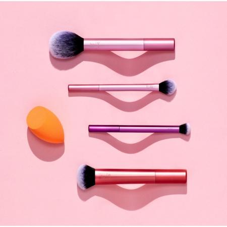 Set Cu 4 Pensule Profesionale si Burete de Machiaj Real Techniques Everyday Essentials7