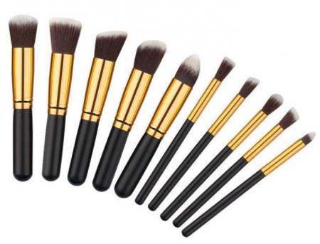 Set 10 Pensule Profesionale Top Quality Kabuki cu Etui, Gold Edition1