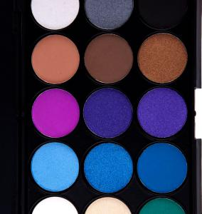 Trusa Profesionala de 15 Farduri pentru Smokey Eyes Spring Colors, E15/031