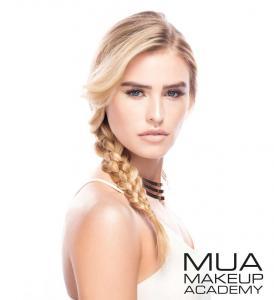 Kit Duo pentru Fixarea Machiajului cu Iluminator si Pudra Luxe Set & Reflect Finishing Kit MUA Makeup Academy Professional, 20g3