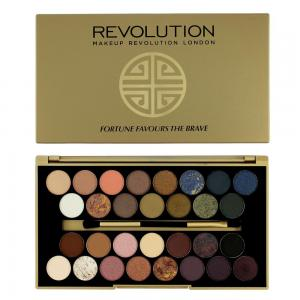 Paleta Cu 30 Farduri MAKEUP REVOLUTION Fortune Favours The Brave by British Beauty Blogger