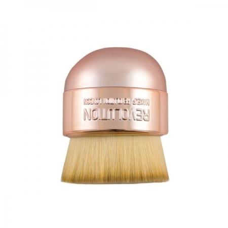 Pensula Pentru Aplicarea Pudrei Makeup Revolution  Oval Precision Kabuki Brush