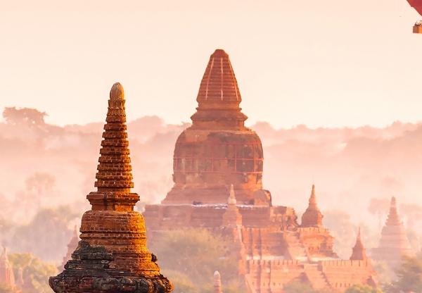 Fototapet 00965 Baloane in Bagan 1